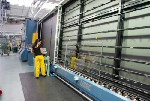 Einblick in die Fenster Herstellung bei Drutex